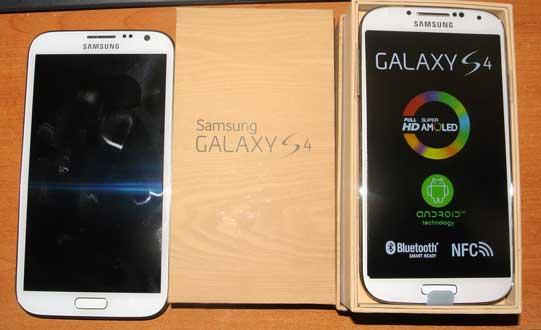 Samsung Galaxy S4 with Samsung Galaxy Note 2